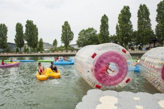 Enjoy the carefree exhilaration of life on the canal